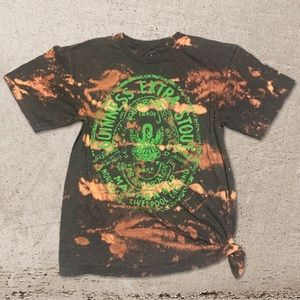 GUINNESS Beer grunge washed t-shirt medium